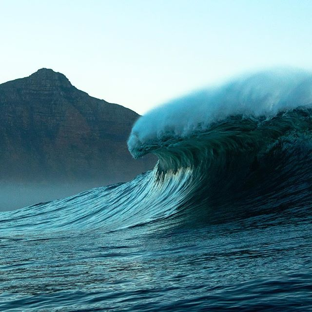 quick peaks  at #dungeons #peaks#surferphotos #atlantic #ocean #waves